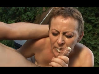 Порно -- ей 59  -- старая бабка сходит сума от хуя -- gilf porn sexi granny <><>