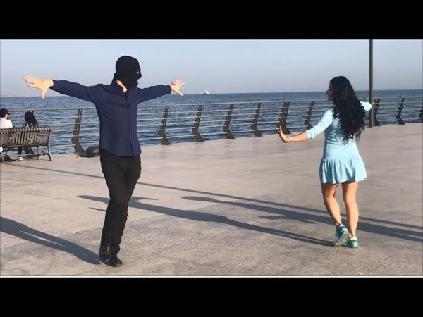 Девушка Очень Красиво Танцует С Парнями В Баку 2018 Лезгинка ALISHKA MELEK ELVIN ELXAN (Белый Город)