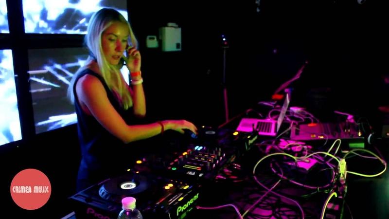 DJ Polina - Crimea Music Showcase @ Boroda (03/10/15)