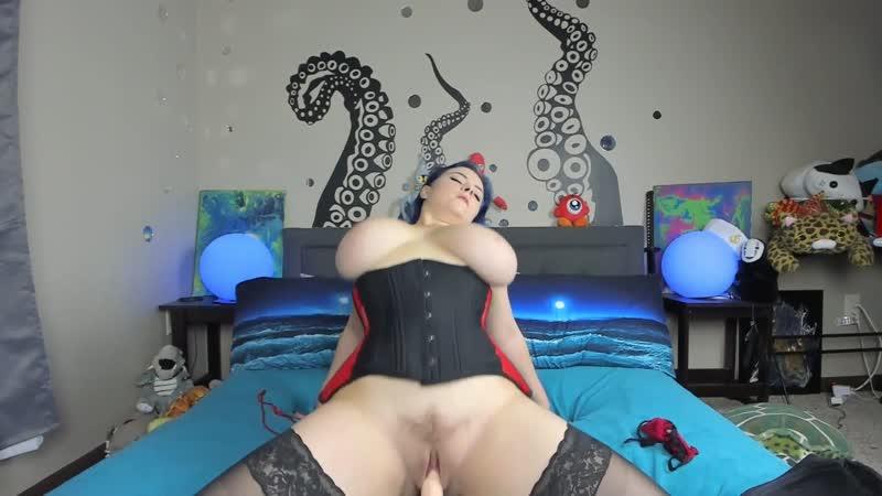 Latina Big Booty Riding Dildo