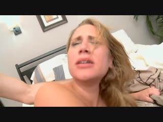Грубый секс со зрелой телкой. Порно анал трах домашнее минет сосет сиськи инцест
