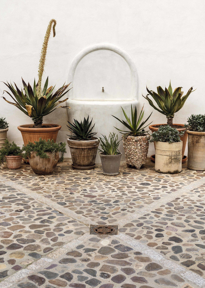 Marta de la Rica turns a farmhouse into DESIGN CORTIJO full of CRAFTS || 02