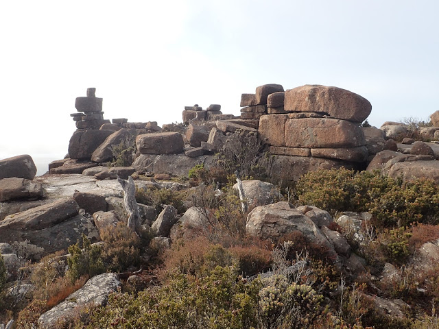 Мегалиты и каменные образования Австралии