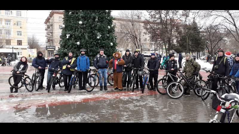 Альфа и Омега 34 катит с велопарада по домам