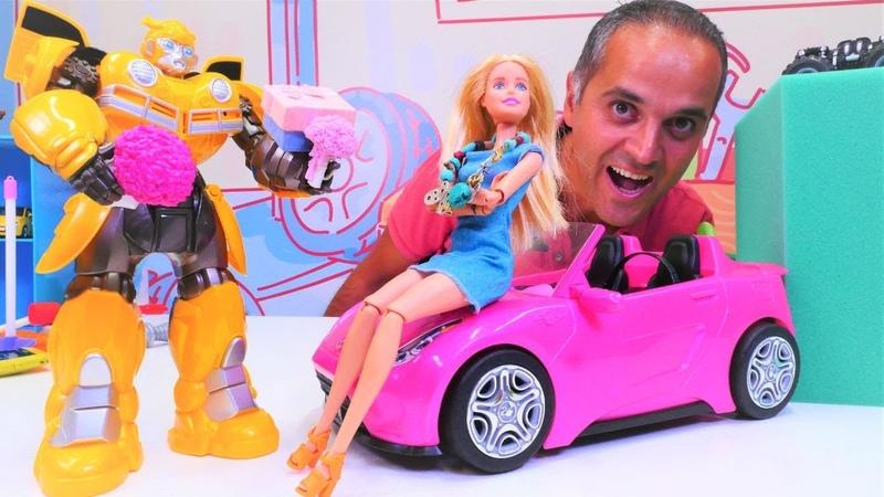 Bumblebee Barbieye aşık oluyor! Transformers ve Barbie oyuncakları. Şenol robota moral veriyor