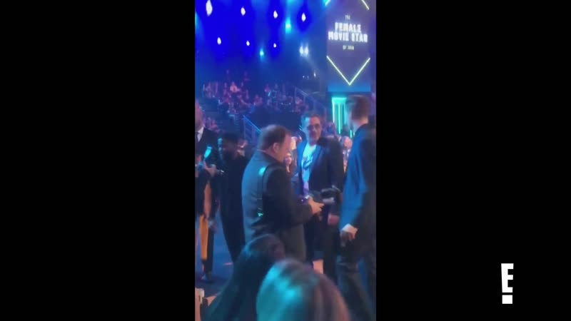 See Kevin Hart Pose With Robert Downey Jr. E! News-2