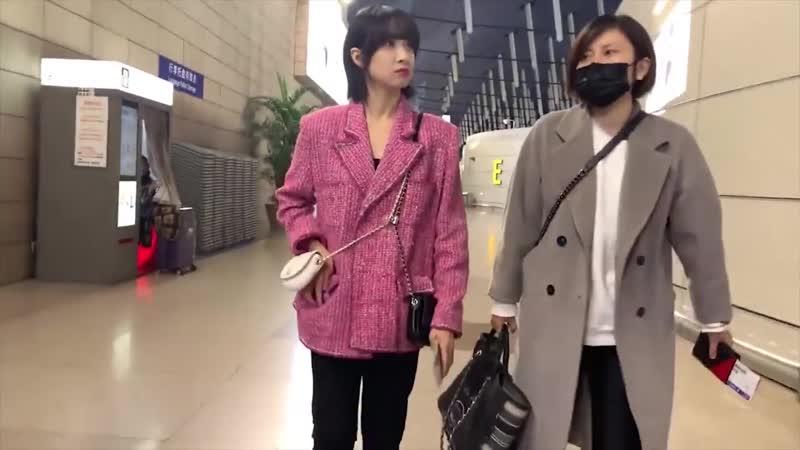 Victoria at Shanghai Airport 190303