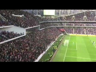 Фанаты Локомотива врываются в игру за Суперкубок на 35 минуте
