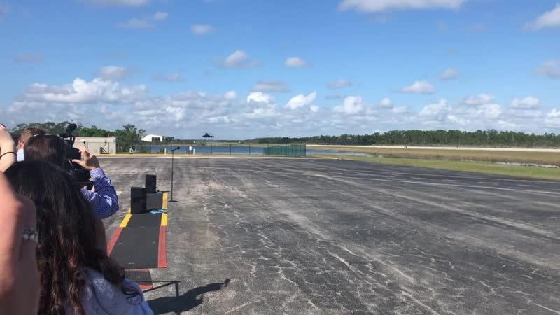 Перспективный скоростной вертолет Sikorsky–BoeingSB>1Defiant в испытательном центре, Флорида
