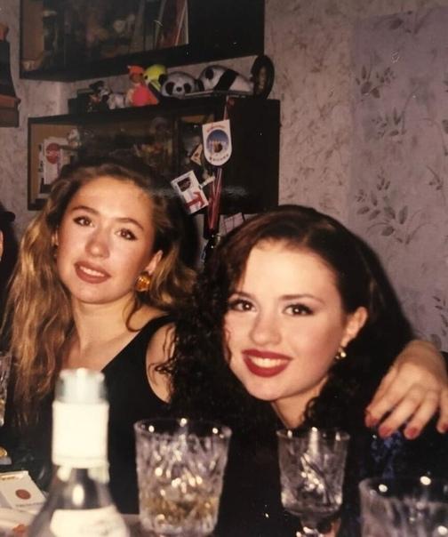 Анна Семенович с фигуристкой Анастасией Гребенкиной, 1999 год
