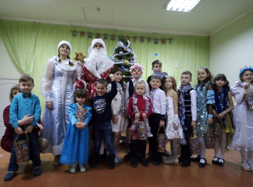 Новогодние подарки для детей прифронтовых территорий членов профсоюза образования от российских профсоюзов, изображение №1