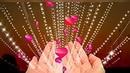 Дорожите любовью, люди! Без неё слишком пусто жить Как без неба луны не будет, Так без веры любви не быть  Не молчите о самом важном! Доверяйте мечты тому, Кто для вас миром стал однажды На рассвете не ждите тьму  Не теряйте любовь в обидах, Отключите гордыню, злость Если чувства уйдут из виду, Заживёте со счастьем врозь  Уступайте друг другу чаще Кто-то должен мудрее быть Станут чувства намного слаще, Если будете их ценить  Берегите друг друга, люди! Боль потери не лечит хмель Мы - художники наших судеб Мы - и кисти, и акварель  Относитесь к любви, как к кладу, Чтоб потом не рыдать ей вслед Без любви ничего не надо Без любви ничего и нет