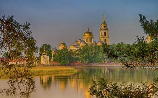 В чем отличие и разница между храмом, церковью, собором, часовней и монастырем