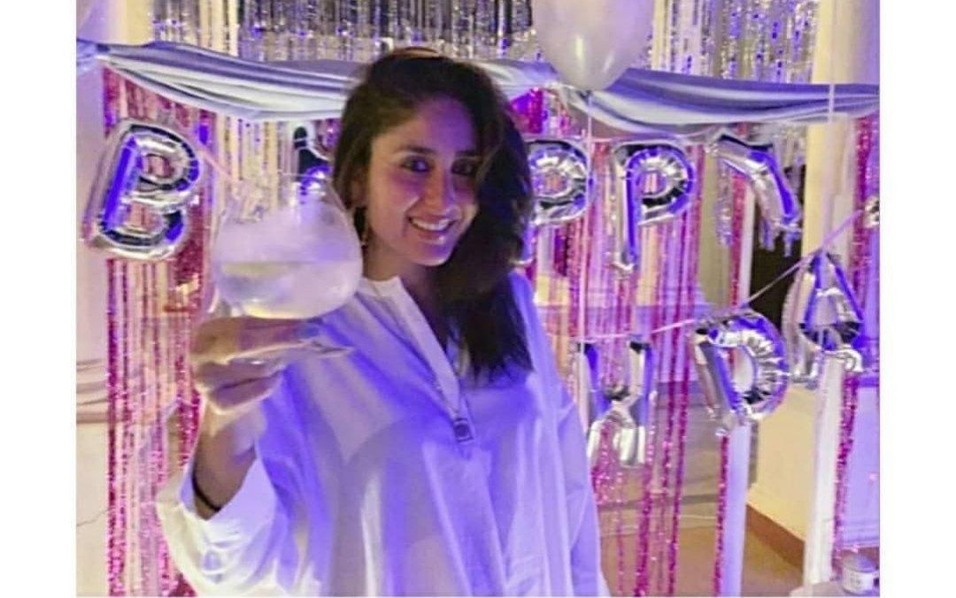 БЕБО - Карина Капур / Kareena Kapoor - Страница 18 UKvRXFB_HhQ