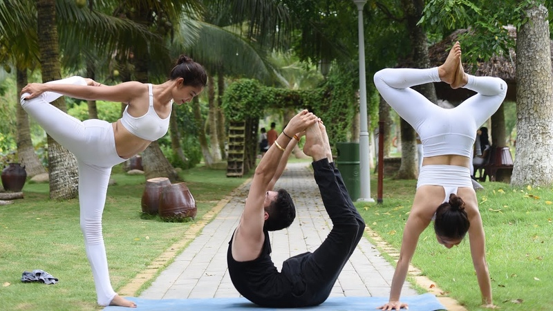 50 yoga pose in 5 minutes outdoor with Master Ajay