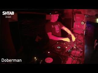Doberman all in core! live @ shtab loft