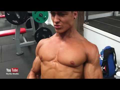 Amazing Shredded Fitness Model Florian Wolf Back Workout Styrke Studio