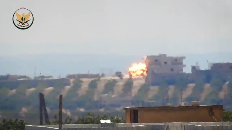 23 08 19 НФО выстрелом из ПТРК уничтожили грузовик САА на самой вершине холма Нимр юж Идлиб