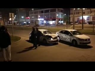 Смертельное ДТП с участием такси Uber произошло поздно вечером в Краснодаре.mp4