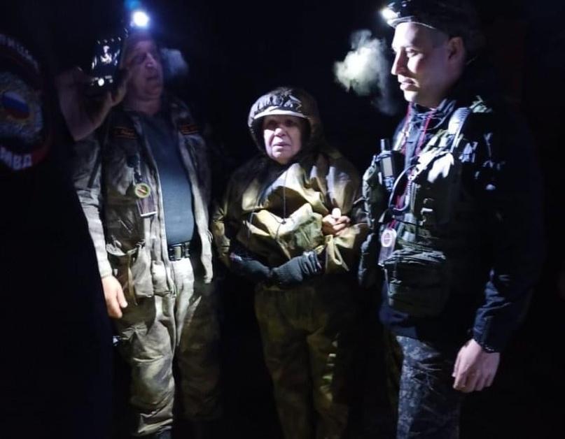 Волонтеры нашли пенсионерку заблудившуюся в лесу около пос. Новое Гришино