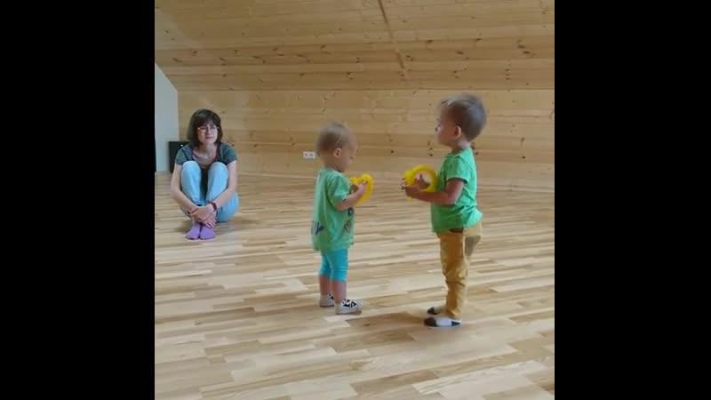 Занятия для самых маленьких Малыш и Мама 👶 👩 📏 1-3 года. 🕒 вторник и четверг в 11:00
