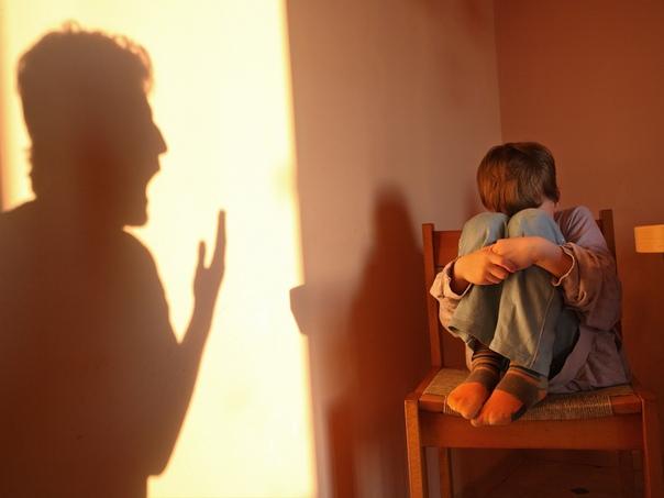 Спастись от... Кто-то однажды изрек редкую по красоте и глубине мысль: «Быть родителем это не о том, как растить своих детей, а о том, как расти самому». Но в жизни часто дети рождаются у