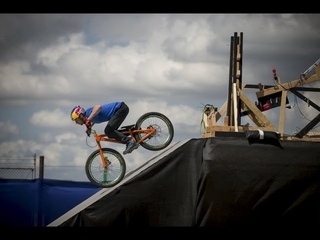 The Athlete Machine | Red Bull Kluge (2012)
