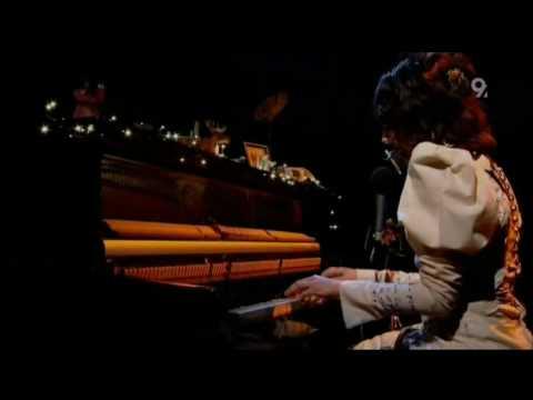 PJ Harvey White Chalk Live Jools Holland 2007