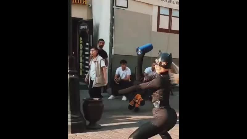 Бэтман и женщина кошка