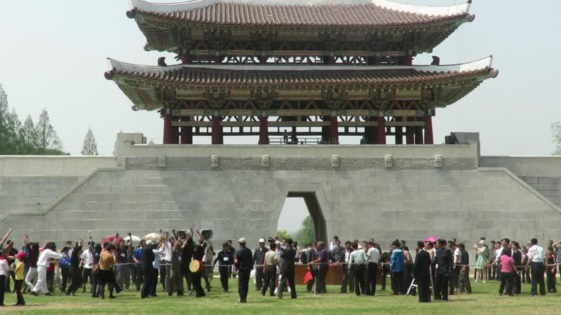 Первомай в Пхеньяне перетягивание каната