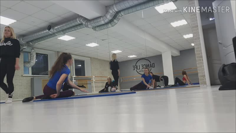Мастер класс Ксении Алимовой id43247422 по партерной технике и танцевальной акробатике