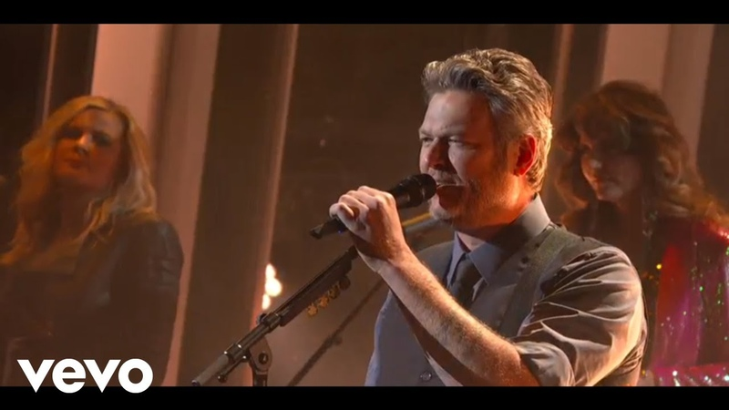 Blake Shelton - God's Country | Live from CMA Awards 2019