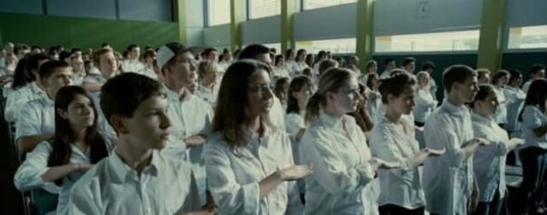 Многие слышали о Стэнфордском тюремном эксперименте, или хотя бы смотрели один из нескольких фильмов о нем В чем суть подобных экспериментов и почему они являются знаковыми для психологии