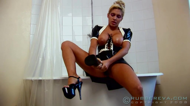 Rubber Maid Caught Fisting Part 02