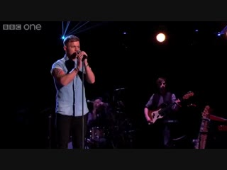 Lee glasson - cant get you out of my head (live in the voice uk 2014)