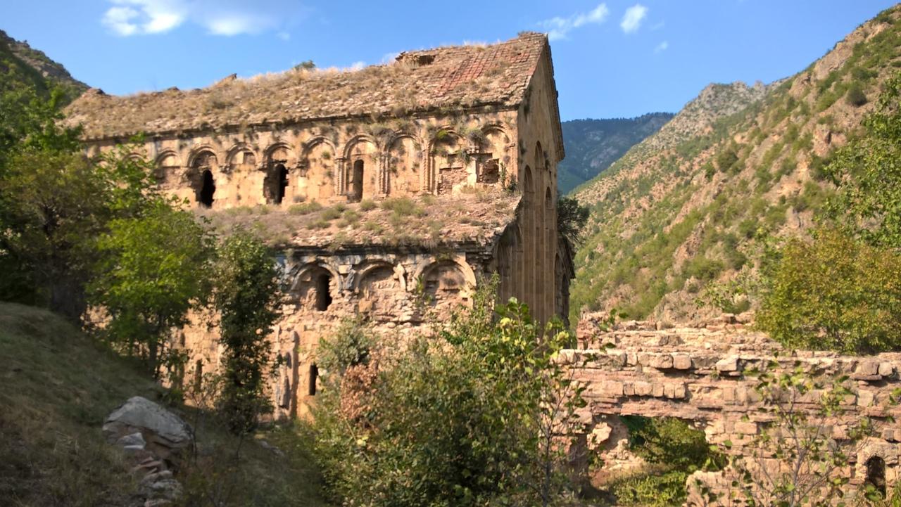 Старая грузинская церковь около Теккале