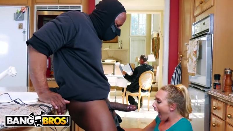 Порно жену при муже грабители — img 15