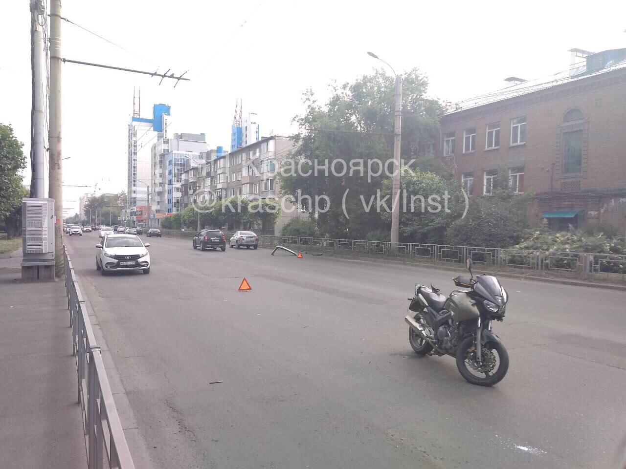 В Красноярске на Краснодарской улице в ДТП пострадал мотоциклист