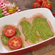 id_19639 Куриные грудки + песто + томаты — просто и очень вкусно 🍽  Автор: Cookist  #gif@bon