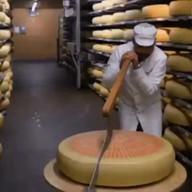 id_22396 Такая порция сыра мне по душе 😁  #gif@bon