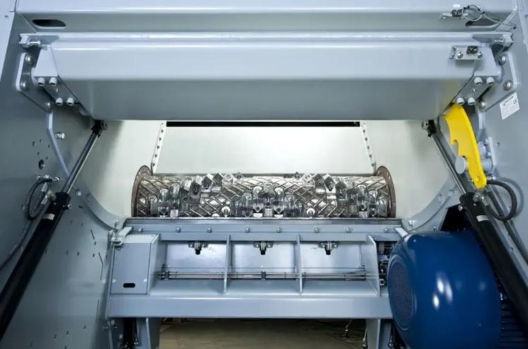 Шредер LINDNER MICROMAT переработка газеты, изображение №5
