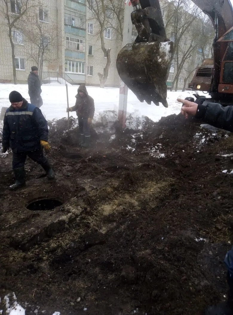 Из-за коммунальной аварии в Петровске ограничена подача тепла к нескольким объектам