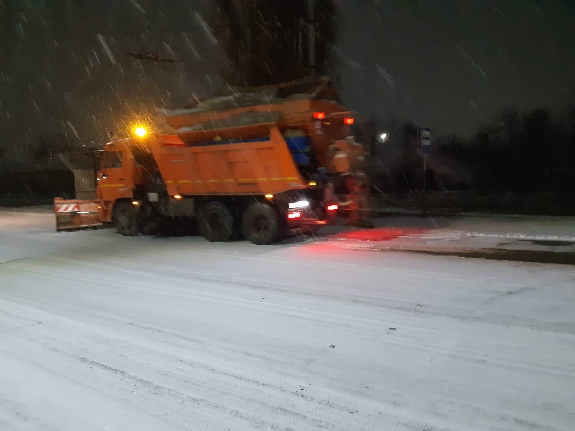 В городе Таганроге для уборки снега задействована 21 единица спецтехники