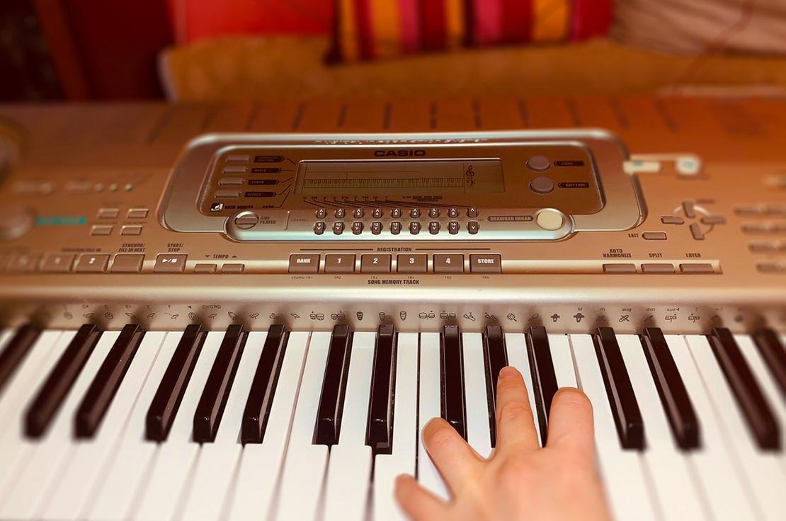 Цифровое пианино Casio w32 88 клавиш для развития моторики ребенка