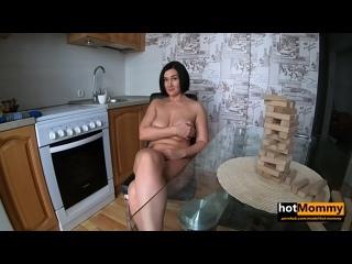Предложил мамке поиграть в другую игру Hot Mommy [All Sex, Blonde, Tits Job, Big Tits, Big Naturals, модель, порно]