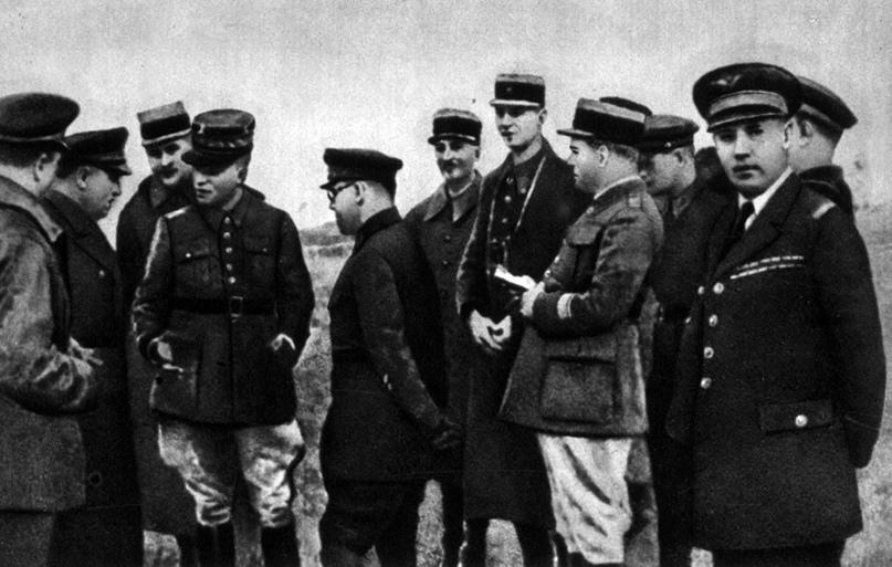Иностранные военные представители на маневрах. Белорусский военный округ. 1936 г.