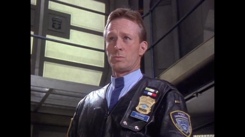 10 серия Illegal Космический полицейский участок