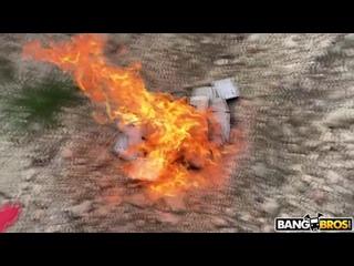Группа мужиков жестко отжарила жесткие диски