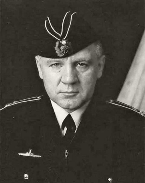 Старший помощник командира С-178, капитан-лейтенант (впоследствии – капитана 1-го ранга) Сергей Михайлович Кубынин