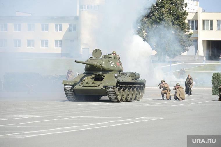 Челябинских (в том числе Миасских) школьников призывают в танковую дивизию